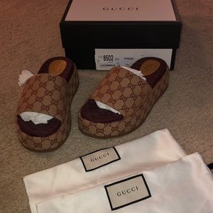 GUCCI ANGELINA PLATFORM CANVAS GG